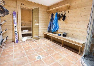 Sauna boot room